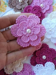 I'm glad to have found this unique crochet slippers that you can make even as a gift to your friends, relatives and loved ones. Beau Crochet, Crochet Puff Flower, Crochet Diy, Easy Crochet Projects, Crochet Motifs, Crochet Flower Patterns, Love Crochet, Crochet Gifts, Beautiful Crochet