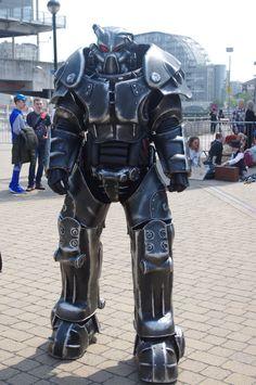 Fallout Tips, Fallout Fan Art, Fallout Meme, Fallout New Vegas, Cosplay Armor, Epic Cosplay, Cosplay Diy, Apocalypse Armor, Fallout Power Armor