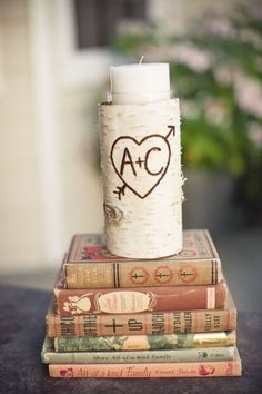 Los Libros son una idea muy vintage para decorar vuestra Boda. ¿Os gustan estas ideas?