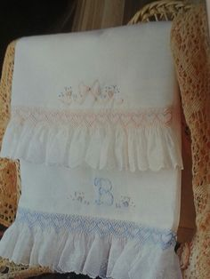 what about this on the end of a christening gown? Smocked pillow case pattern found in Sew Beautiful magazine Issue 68 Smocking Baby, Smocking Plates, Smocking Patterns, Sewing Patterns, Smocking Tutorial, Sewing Hacks, Sewing Projects, Sewing Tips, Baby Sheets