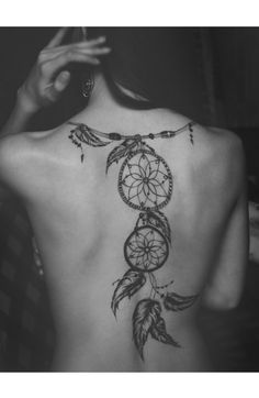 Dreamcatcher. Back tattoo.    LOVE IT !!!