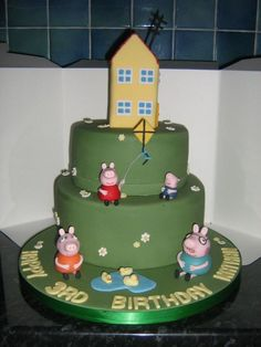 Peppa Pig- Nora would love this birthday cake!