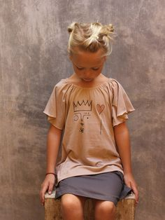 Queen Tee  udder 12/13 collection