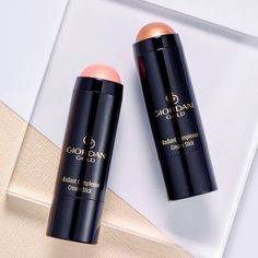 Oriflame has not forgotten me. I love bronze makeup. On my cheeks, on my chin, … – Cosmetic Ideas Revlon, Giordani Gold Oriflame, Oriflame Beauty Products, Makeup Illustration, Tips For Oily Skin, Bronze Makeup, Beauty Companies, Skin Clinic, Skin Treatments