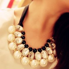 Gorgeous Pearl Statement Necklace