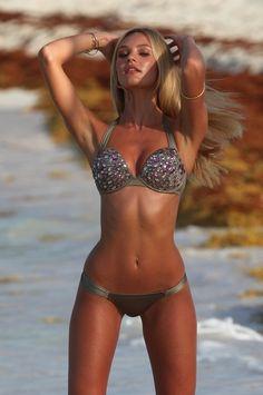 always pretend its bikini season. it'll make you work out harder