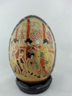Asian Oriental Japanese Geisha Porcelain Egg Figurine Hand Painted with Stand