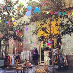 Vintage shopping in El Raval, Barcelona (Spain)