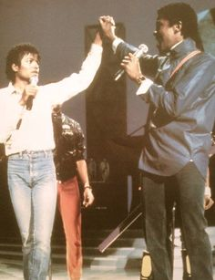 <3 Michael Jackson <3 - rare photo of him in jeans :)