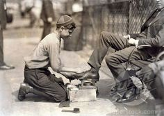 Vintage 1924, getting a shoe shine in NYC, www.RevWill.com