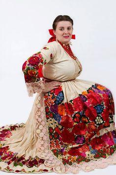 Posavina European Costumes, Egyptian Women, Traditional Clothes, World Of Color, Folk Costume, Fashion Outfits, Womens Fashion, 1920s, Ethnic