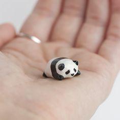 Adorable itty bitty panda baby! Le Lazy Baby Panda Totem - le animalé doodles