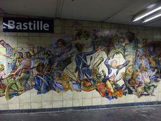 Bastille. Ligne 1.  Station décorée sur le thème de la Révolution Française.