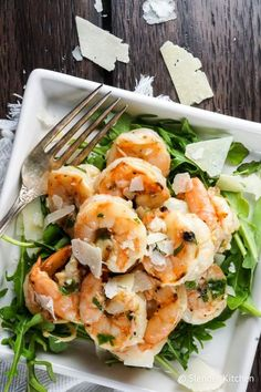 Garlic Parmesan Shrimp - Slender Kitchen - - This ten minute Garlic Parmesan shrimp is made on a single baking sheet with just 6 ingredients. All the flavor of shrimp scampi without all the work. Serve it with pasta, couscous, salad, and more. Shrimp Dishes, Shrimp Recipes, Lobster Recipes, Fish Recipes, Garlic Parmesan Shrimp, Garlic Butter, Butter Shrimp, Garlic Minced, Tostadas