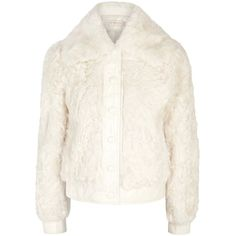 Tory Burch Camilla Cropped Shearling Jacket - Size S (£1,220) ❤ liked on Polyvore featuring outerwear, jackets, cropped jacket, tory burch, white cropped jackets, cream cropped jacket and white jacket