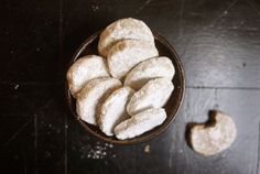 Spiced Cider Meltaways for Santa! | Momtastic  1 3/4 cups plus 2 tablespoons flour 2 tablespoons cornstarch 2 1/2 teaspoons ground cinnamon 1 teaspoon ground cloves 3/4 teaspoon coarse salt 3/4 cup (1 1/2 sticks) unsalted butter 1 cup confectioners' sugar 1/4 cup apple cider 1 teaspoon pure vanilla extract