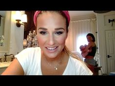 Jessie James Decker's wearing our Talk Southern to me tee in her latest makeup tutorial!!! Love her!