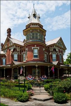 Architecture | Victorian Gothic Queen Ann - The Empress of Little Rock Small Luxury Hotel and Conference Center, located in Little Rock, Arkansas