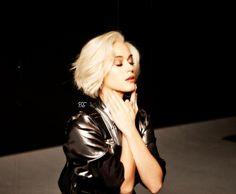 Katy Perry Photos, Fond D'écran Katy Perry, Katy Perry Wallpaper, I Go Crazy, Fan Edits, Teenage Dream, Her Smile, Hot Bikini, Music Artists