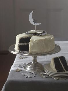 My family is fairly obsessed with red velvet cake, so one year I decided to give it a new twist for Halloween. I took my red velvet cake recipe and simply swapped the red food coloring for black. Halloween Wedding Cakes, Halloween Cakes, Happy Halloween, Halloween Party, Mooncake, Black Velvet Cakes, Red Velvet, Cake Topper Tutorial, Cute Cakes