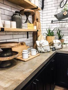 Inspiration for kitchen design // Rustic coffee shop – Jelly Toast – Gray Espresso Kitchen Cabinets Rustic Coffee Shop, Small Coffee Shop, Coffee Shop Design, Espresso Kitchen Cabinets, Kitchen Shelves, Kitchen Decor, Kitchen Rustic, Kitchen Ideas, Shop Interior Design