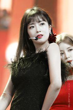 Yoon Bomi Apink❤181201MMA2018 South Korean Girls, Korean Girl Groups, Apink Naeun, Son Na Eun, Pink Panda, Eun Ji, Cube Entertainment, Female Singers, Rapper