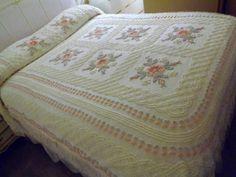 Cabin-Craft-Floral-Vintage-Chenille-Needletuff-Bedspread-Fabric-Cutter-sewbuzyb