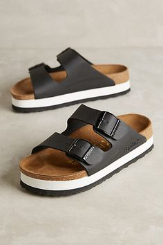 Anthropologie - Shoes Source by sthomaspaul shoes everyday Birkenstock Sandals Outfit, Black Birkenstock, Birkenstocks, Mens Boots Fashion, Fashion Shoes, Mens Beach Shoes, Anthropologie Shoes, Everyday Shoes, Girls Shoes