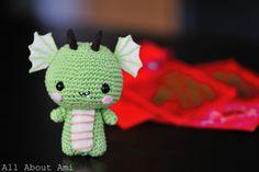 Pattern: Dragon En Español: http://hastaelmonyo.com/wp-content/uploads/2012/02/dragoncito_verde_hastaelmonyo.pdf