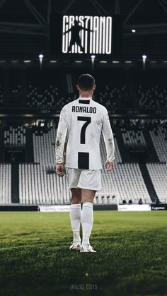 Looking for New 2019 Juventus Wallpapers of Cristiano Ronaldo? So, Here is Cristiano Ronaldo Juventus Wallpapers and Images Cristiano Ronaldo Portugal, Cristiano Ronaldo Real Madrid, Cristiano Jr, Cr7 Messi, Cristiano Ronaldo Wallpapers, Ronaldo Football, Cristiano Ronaldo Juventus, Messi And Ronaldo, Neymar