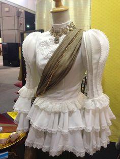 เสื้อหมูแฮมแบบประยุกต์ Thai Traditional Dress, Traditional Outfits, Thailand Outfit, Thai Dress, Khmer Wedding, Thai Style, Blouse Dress, Blouse Designs, Nice Dresses