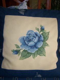 Blaue Rose ... in Kreuzstich