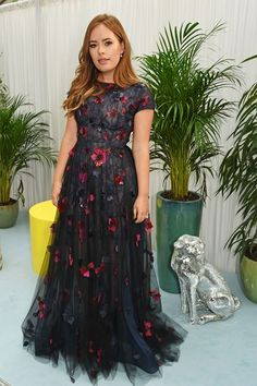 Pin for Later: Hollywood Royalty Mixed With the Brit It Crowd at the Glamour Women of the Year Awards Tanya Burr Evening Dresses, Prom Dresses, Formal Dresses, Formal Outfits, Party Outfits, Celebrity Dresses, Celebrity Style, Celebrity News, Beautiful Dresses