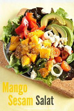 Knackiger Mango Sesam Salat. Gesund, bunt und lecker!