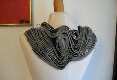 como hacer collares con cremalleras How To Make Necklaces, How To Make, Innovative Products, Zippers