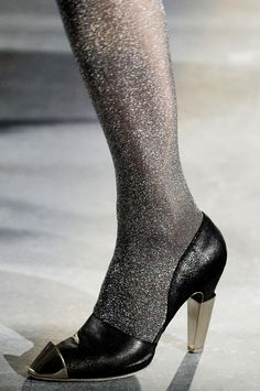 Metal dip shoes -Chanel's new vintage: Haute Couture F/W 2012-2013 #heels @kennymilano #idemtiko