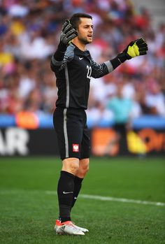 Lukasz Fabianski of Poland in action during the UEFA EURO 2016 Group C match between Ukraine and Poland at Stade Velodrome on June 21, 2016 in Marseille, France.