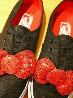 Vans hello kitty bow sneaker