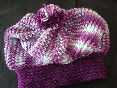 Aprenda a fazer uma boina fácil! - Tear de 26 Pregos - YouTube Loom Knitting Stitches, Knitted Hats, Crochet Hats, Loom Weaving, Macrame, Winter Hats, Beanie, Youtube, Scarfs
