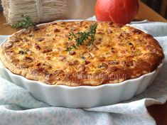 Slaný koláč s dýní, špenátem a nivou - Víkendové pečení Salty Cake, Quiche, Macaroni And Cheese, Easy Meals, Food And Drink, Pizza, Baking, Vegetables, Breakfast