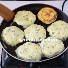 """8,848 Beğenme, 159 Yorum - Instagram'da En Nefis Yemek Tarifleri (@umutsepetim): """"Kahvaltılarınızın Yıldızı olacak çook mu çok nefis, börek tadında peynirli kaşık dökmesini 5…"""""""