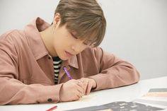 JINHWAN - Exclusive photo prepare RE•-KONNECT STAGE . . . @ ygEnt #iKON #REKONNECT #PRIVATESTAGE #ikonupdate #ikonpic #ikon_exclusive_photo #jinhwan #jinan #kimjinhwan #updatefromlyl🍯