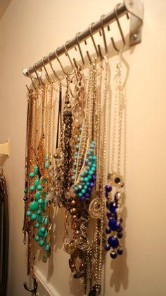 DIY Necklace Organizer I NEED SOMETHING LIKE THIS!!