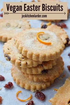 These easy Easter Biscuits are perfect to make with kids & are great alternative to all things chocolate! Crunchy, gently spiced & full of raisins or currants, they're melt in the mouth delicious. #easterbiscuits #traditionalrecipe #veganbiscuits Cookie Recipes, Vegan Recipes, Dessert Recipes, Desserts, Savoury Baking, Vegan Baking, Easter Recipes, Easter Ideas, Easy Vegan Cookies