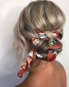 These super-easy summer hairstyles are perfect for wearing to the pool, at the beach, or on a hot, sweaty day. hair styles 11 Easy Summer Hairstyles You Can Copy Right Now Braided Bun Hairstyles, Headband Hairstyles, Headband Updo, Wedding Hairstyles, Braided Updo, Hair With Bandana, Hair Styles With Bandanas, Hairstyles With Scarves, Bandana Hairstyles For Long Hair