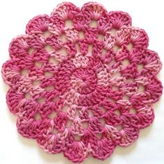 Rose In Bloom Dishcloth. Worsted Weight Cotton Yarn: Variegated – 2 oz, 100 yds g, 92 m) (Peaches & Crème – Cherry Pink) Crochet Coaster Pattern, Crochet Motif, Crochet Doilies, Crochet Flowers, Free Crochet, Crochet Patterns, Crochet Designs, Free Knitting, Crochet Round