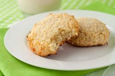 5 Ingredient Chewy Vanilla Coconut Cookies #paleo #coconut #cookie