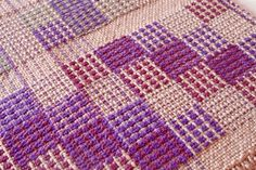 Crackle Irwin Sample 5. - Weaving Today