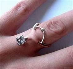 I want this finger dermal piercing, engagement purposes or not. Finger Piercing, Piercing Ring, Body Piercings, Piercing Tattoo, Crazy Piercings, Unconventional Engagement Rings, Engagement Rings On Finger, Solitaire Engagement, Ring Ring