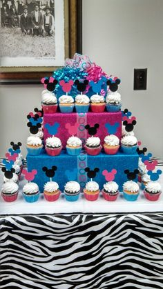 Cupcakes Decoration For Baby Shower Pink Gender Reveal Ideas Boy Baby Shower Themes, Baby Shower Gender Reveal, Baby Shower Decorations, Baby Gender, Baby Baby, Gender Party, Baby Reveal Cakes, Gender Reveal Cupcakes, Baby Shower Cupcake Cake